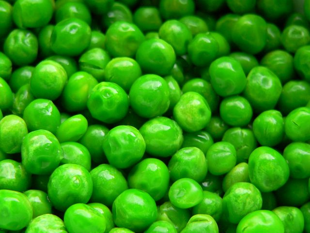 How peas are useful for health and beauty