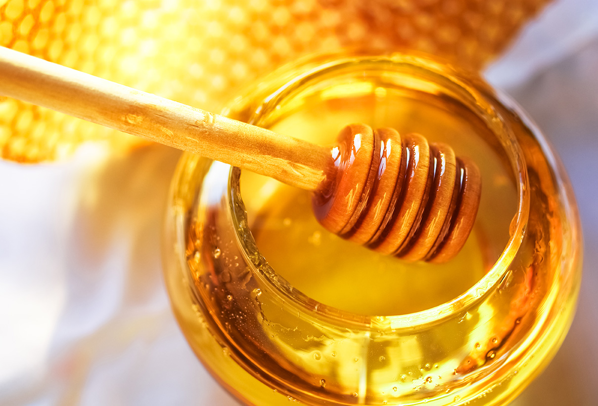 Honey: How to Identify & Differentiate the Natural Honey from the Processed Honey