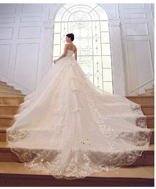 Amazing Wedding Gowns For That Special