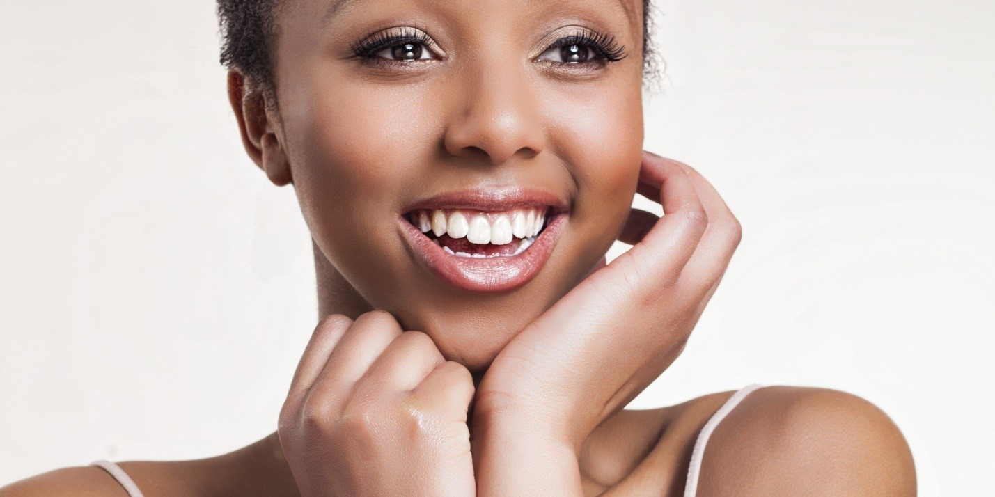 6 Things Women with Beautiful Skin Do Before They Go To Bed
