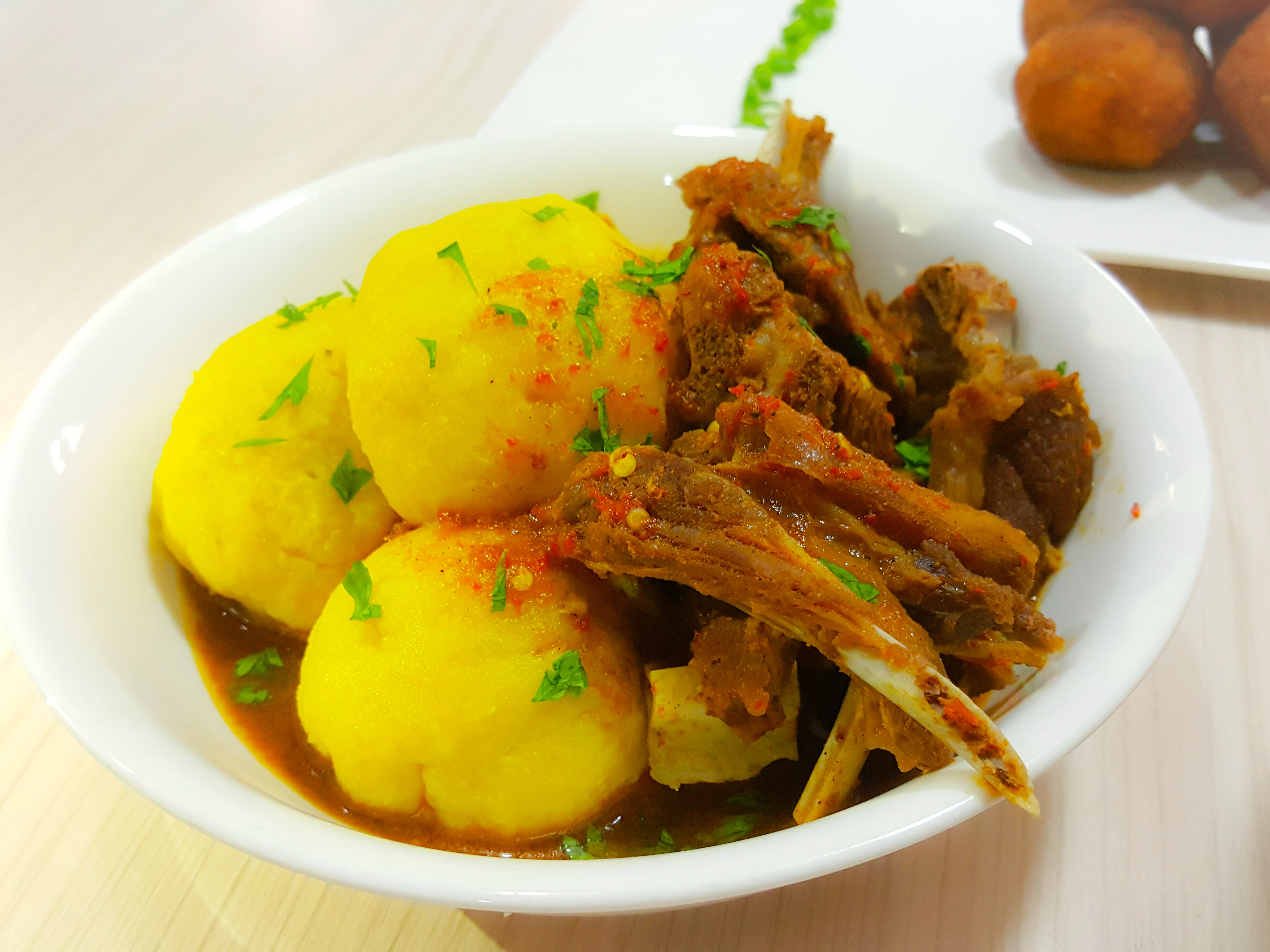 Food Recipe: Onunu and Goat Meat Pepper Soup (Yam and Plantain Mash)