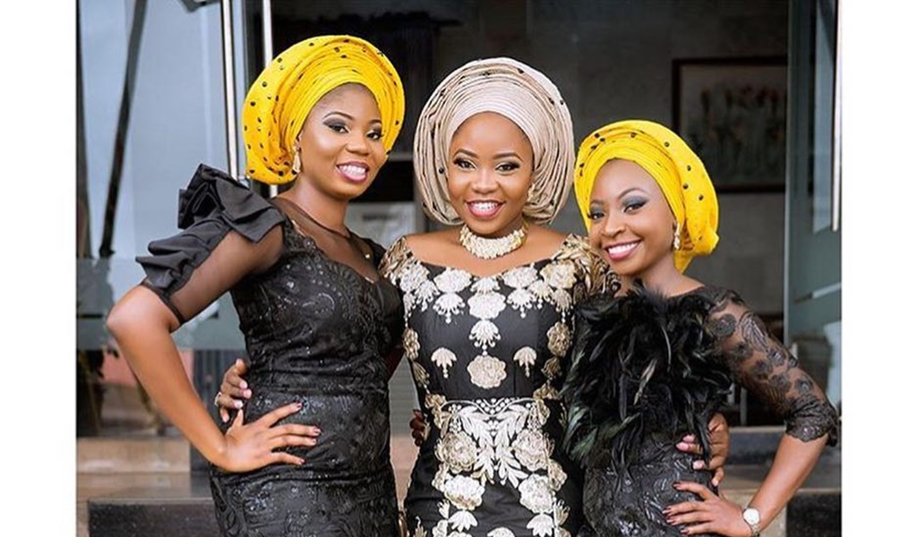Asoebi Styles #127: Black Is The New Legal Colour!