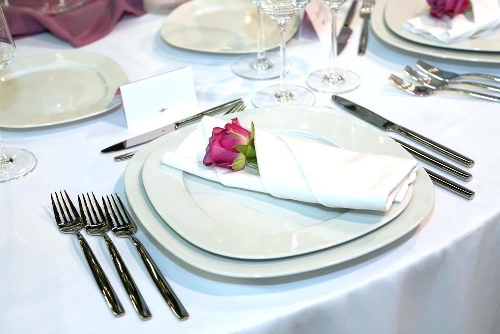 Restaurant Table Manners and Fine Dining Etiquette