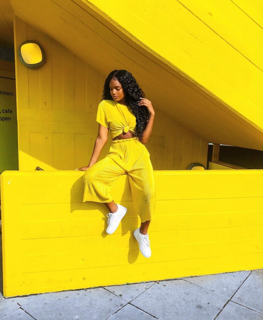 The Two Stylish Ways Fashionable Women Wear Yellow!