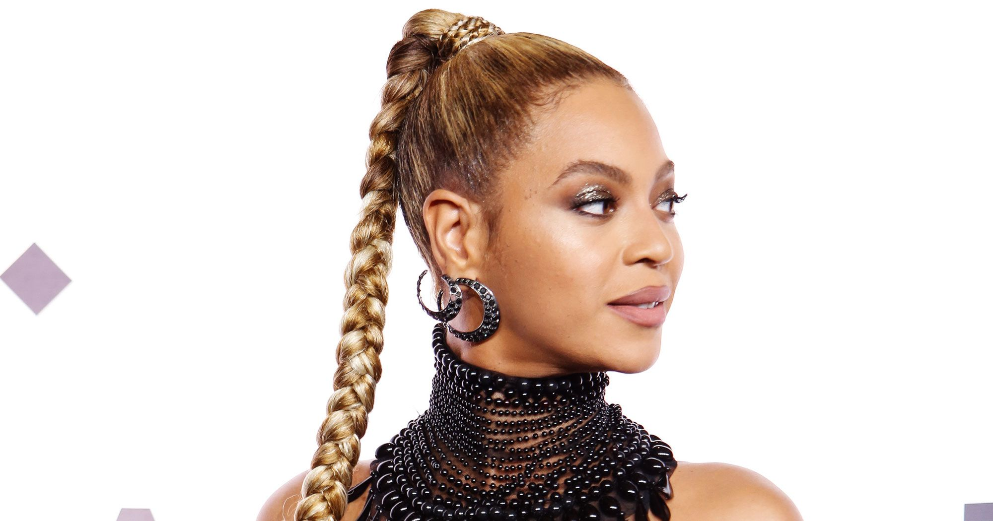 On Beyonce's Beauty – 10 Hair Styling Inspiration from The Queen B!