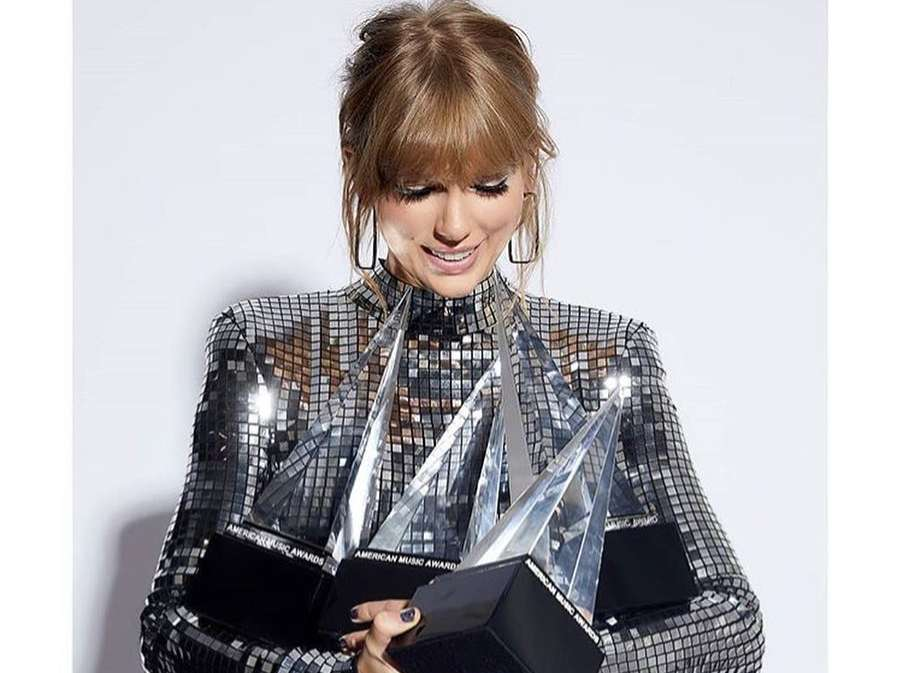 Here Is The Full List Of Winners At The 2018 AMA's