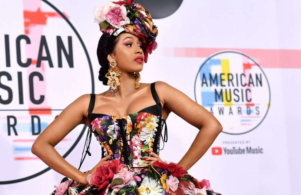 Pictures Of Cardi B, Tracee Ellis Ross, Taylor Swift And Many More At The 2018 American Music Awards