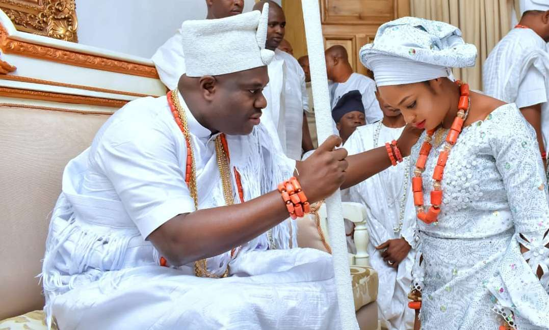 Official Pictures Of Ooni Of Ife And His New Wife, Olori Naomi