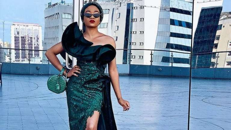 Aso Ebi Styles #136: Become The Center Of Attraction At Your Next Event