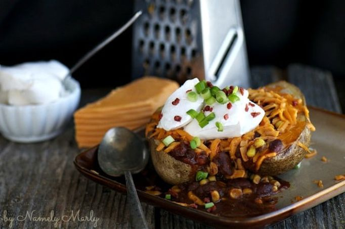5 Healthy Baked Potato Recipes That Go Way Beyond Cheese And Bacon